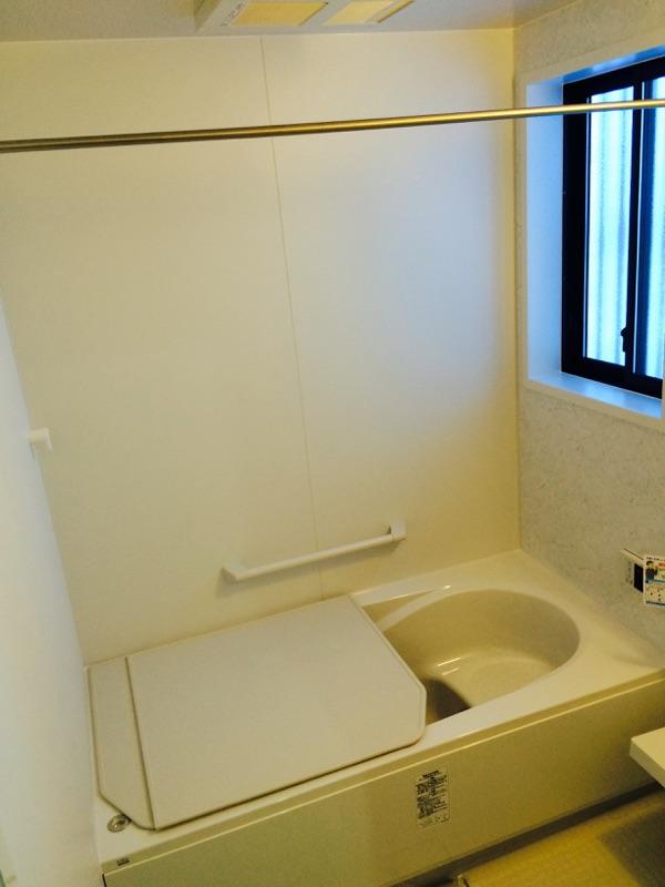 施工事例 浴室サッシから雨漏りの修理 横須賀市のK様邸施工後